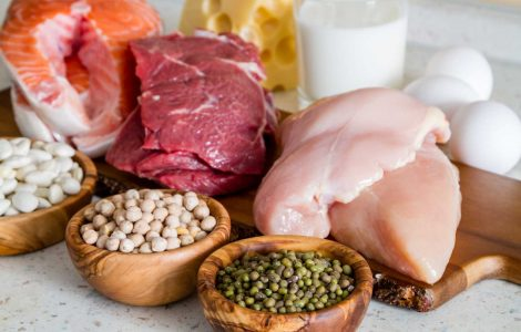 carne sobre tabla de madera